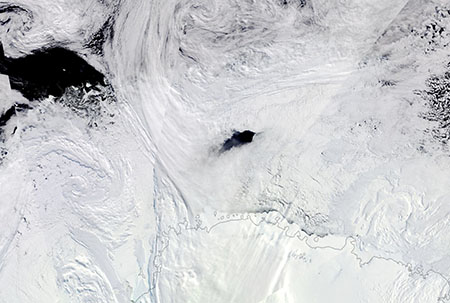 The Maud Rise Polynya in September 2017. This hole in the winter ice pack of the Weddell Sea has appeared several times over past decades. It is an area of intense heat exchange between the ocean and atmosphere.